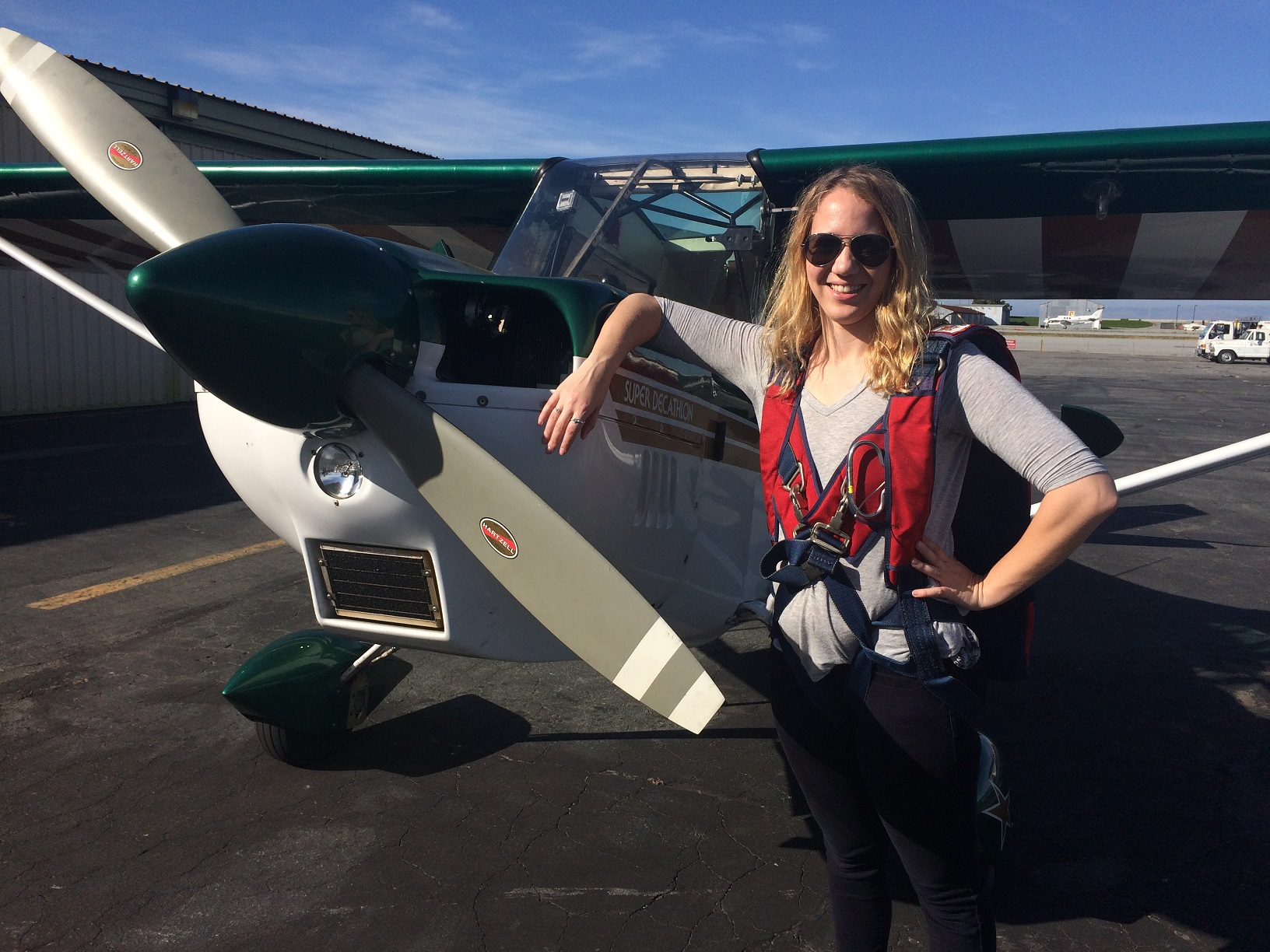 aviation scholarships Two majors that are popular are aviation management and avionics technology continue reading to learn more about this field and about the world of aviation scholarships.